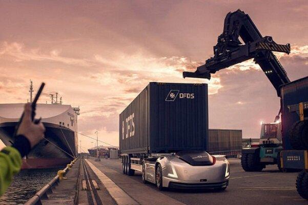 نقل و انتقال کالا از بنادر سوئد با خودران های ولوو
